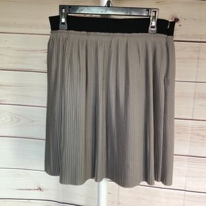 👢CYNTHIA ROWLEY PLEATED GRAY SKIRT
